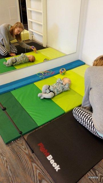 Vauvan fysioterapiaa ja muita ilmaisia iloja