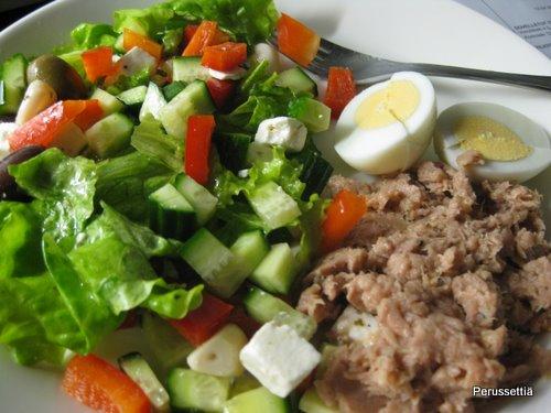 Juhlien jälkeen syödään salaattia